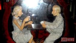 Посетителей кафе заманивают куклой Путина