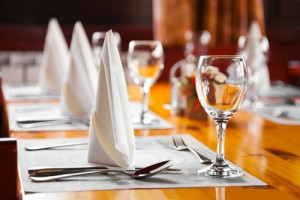Сервировка стола по количеству мест